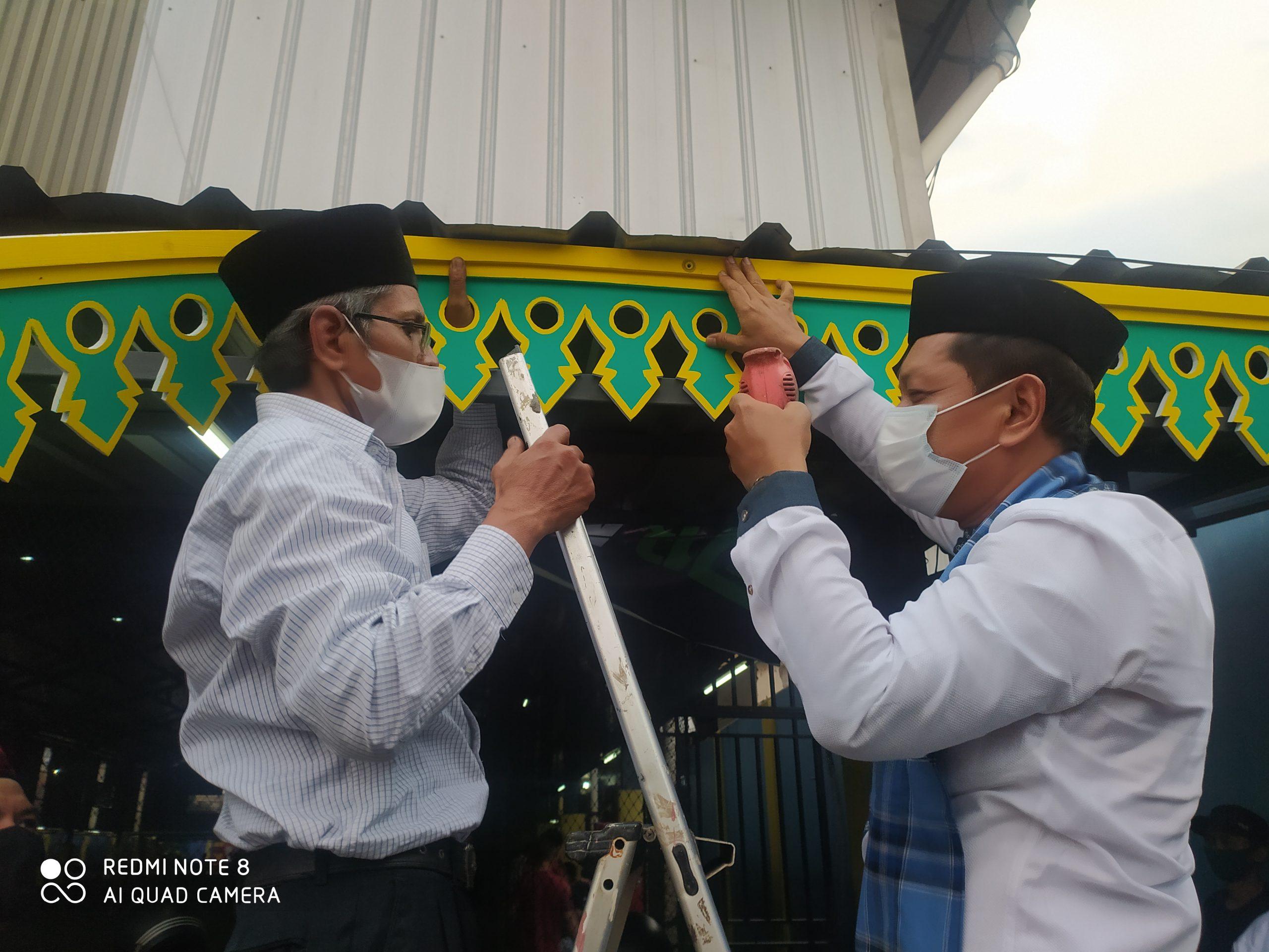 Resmikan Pemasangan Gigi Balang di Kampoeng Budaya Silat Rawa Belong